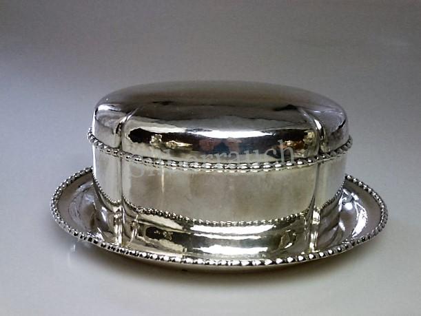Bisquitdose aus Silber. Amsterdam um 1920
