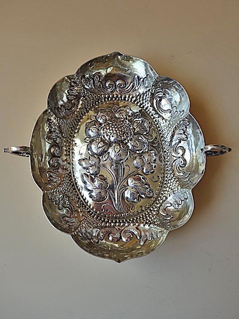 Große Barocke Silber Branntweinschale aus Augsburg mit Blumenmotiv