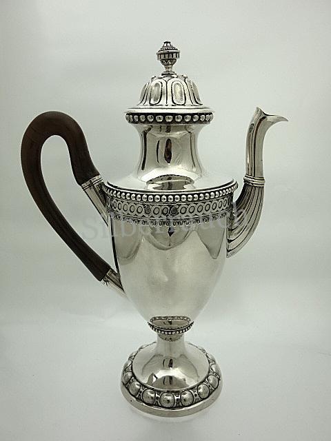 Große Augsburger Silber Empirekanne des ausgehenden 18. Jahrhunderts