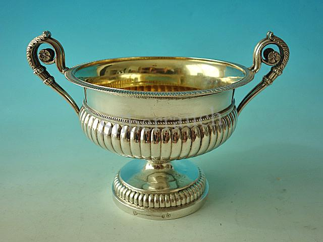Schwere Silber Biedermeier Henkelschale aus Berlin, 19. Jahrhundert
