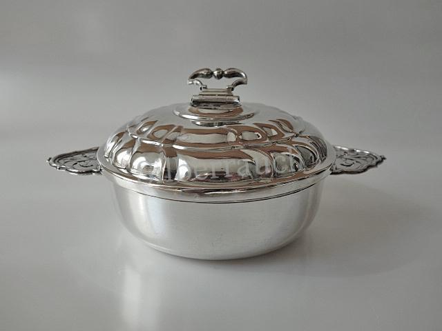 Augsburger Rokoko Silber Deckelschale in vorzüglicher Erhaltung