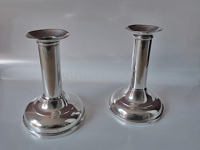 Paar zierliche klassizistische Silber Tischleuchter aus Minden/Westfalen, Ende 18. Jahrhundert