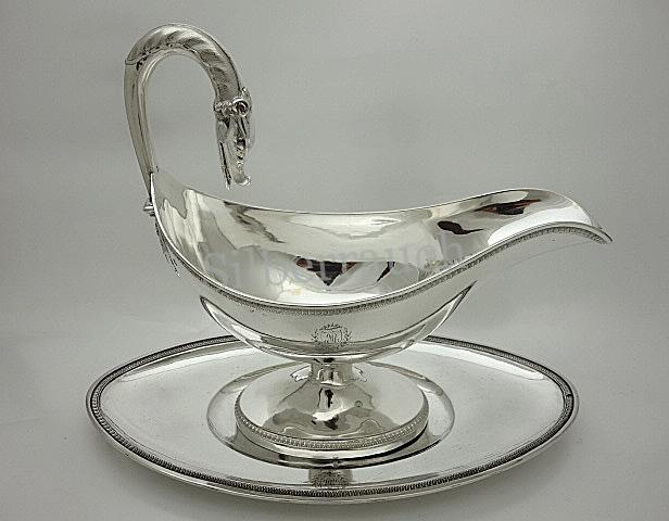 Empire Silber Sauciere auf Unterschale aus Paris, Anfang 19. Jahrhundert